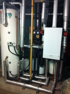 Solar hot water cylinder and Viessmann boiler combination